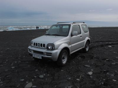Only Jimny braves the Icelandic beach